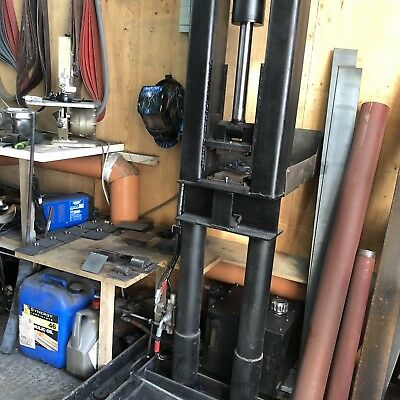 Hydraulic Forge Press With Quick change Dies Oil Tank Pump Lever And Guides