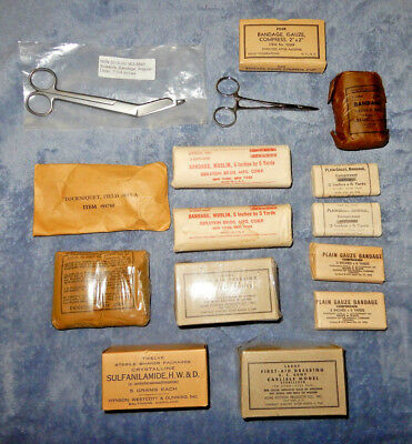 Small Lot Of Us Army Medical Items, Bandages, Medic, Medical Supplies