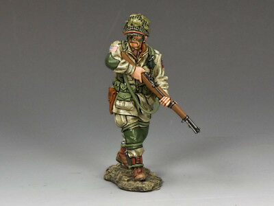 """KING & COUNTRY DD216 WWII D-DAY U.S. 82nd PARATROOPER """"CAUTIOUSLY ADVANCING"""" MIB"""