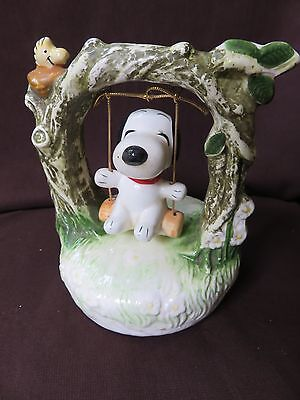 VTG.AVIVA ENTERPRICE PEANUTS SNOOPY-WOODSTOCK on SWING BIRD CERAMIC MUSIC BOX