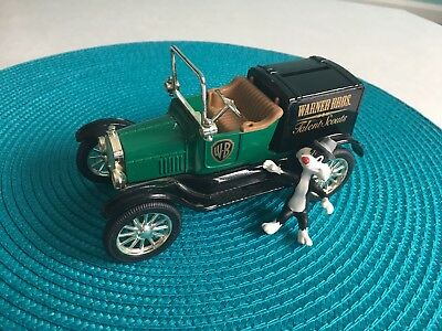 """1997 ERTL WB Looney Tunes die cast bank, 1918 Ford Runabout """"Talent Scouts"""""""