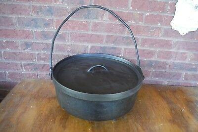 Vintage Lodge #16 Cast Iron Dutch Camp Oven with Legs Discontinued RARE
