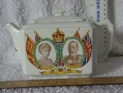 Vintage Ringtons Maling Ware Teapot. With picture of George V and Queen Mary.