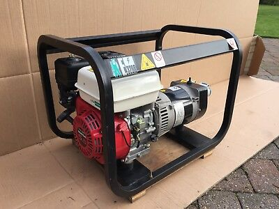Honda Generator 2.8 KVA.  only had one hours use