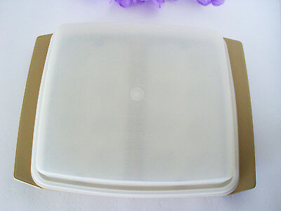 Vintage 723-3 Tupperware Deviled Egg Container Keeper Carrier - Tan & White -