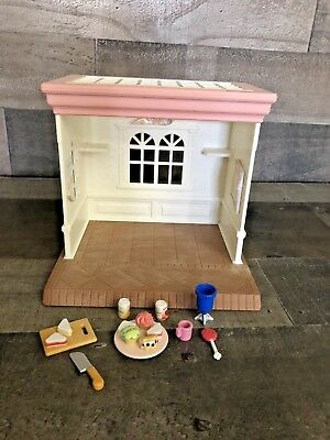 Calico Critters Sylvania Families Bakery Sweets and Gifts Shop Retired Vintage