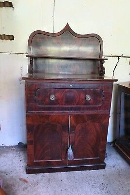 William IV Secretaire, chiffonnaire with wine cooler. Flame mahogany