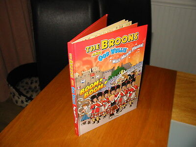 The Broons & Oor Wullie Mair Music Please 2013 Hardback Annual Song Book & Comb