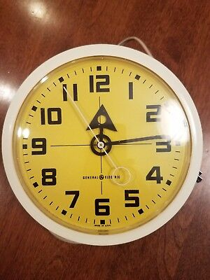 General Electric Vintage Retro Wall Clock Model 2171 Yellow Face Plug In
