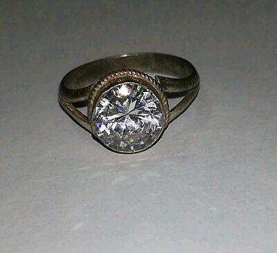 Womens Old Ring With a Beautiful Shiny Crystal