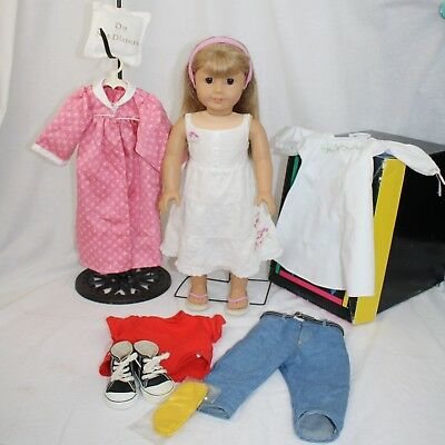 """American Girl Gwen 18"""" Doll, PLUS Lot of AG Clothes"""