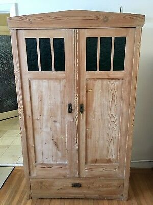 EARLY 20th CENTURY LARGE ANTIQUE GERMAN SOLID PINE  WARDROBE / ARMOIRE