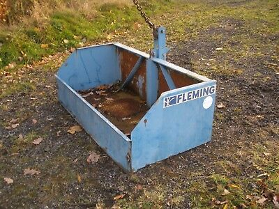 Fleming 5 foot tipping tractor transport box never used but with storage marks.