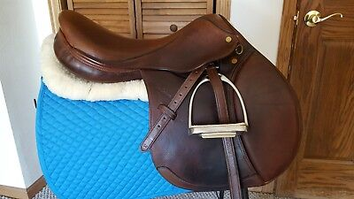 """17.5"""" M Toulouse Annice model close contact saddle-  Wide tree w/ fittings!!"""