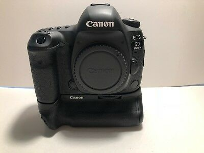 Canon EOS 5D Mark IV 30.4MP Digital SLR Camera ---  With Canon Grip