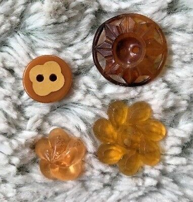 Vintage Lot of 4 Early Plastic/Bakelite Yellow/Orange Floral Buttons  2-1.1cm