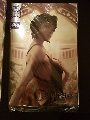 NYCC Exclusive Catwoman #3 Foil Variant NM DC Comics in hand Artgerm Cover