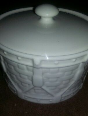 Longaberger Pottery Ivory Woven Covered Drum Crock/Casserole With Lid