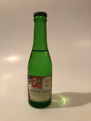 FULL RARE 7oz 7UP DANCING LADY PAPER LABEL SODA BOTTLE 7UP EMBOSSED ON THE NECK
