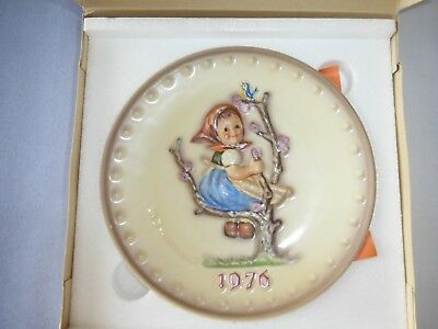 Goebel 1976 Annual Plate M J Hummel with box