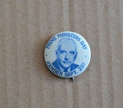 1950s Sir Robert Menzies Prime Ministers Day Camden Sept 25th Badge
