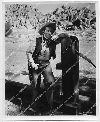 orp-159 1955 orig photo Jack Kelly leaning on the water pump film The Violent Me