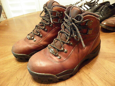 Vintage NIKE Brown ACG Leather Hiking Boots Classic Rugged Soles Really  SWEET 8 3f557ca4a