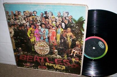"""BEATLES  Sgt Peppers Lonely Hearts LP rainbow UNCORRECTED label """"A Little"""" MONO"""