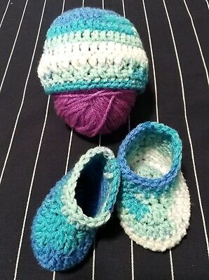 Newborn Baby Girl Or Boy Clothes Beanie Hat And Boots Set 0-3 Months