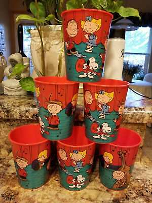 Peanuts Christmas Characters 16 oz. Collectible Plastic Cups( set of 6) NWT