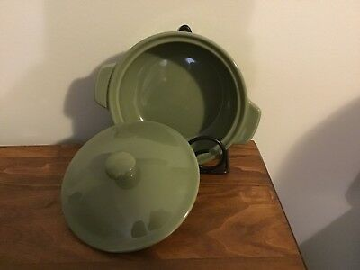 Longaberger Small Round Baking Casserole Dish With Lid - Sage
