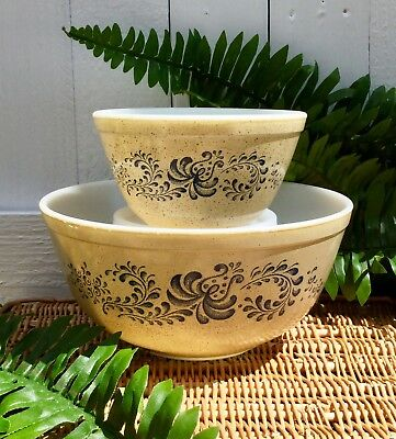 Vintage Pyrex Homestead Nesting Mixing Bowl Set 403 & 401 ~Great Condition~