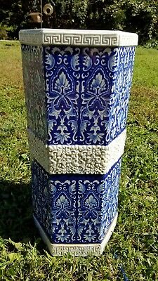 19th century Blue and White Chinese porcelain floor vase umbrella stand Qing