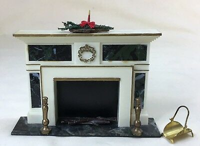 VTG Ideal PETITE PRINCESS Doll House FIREPLACE & Accessories Christmas Wreath