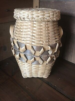 Vintage Winnebago Native American Indian Basket With Lid Excellent Condition