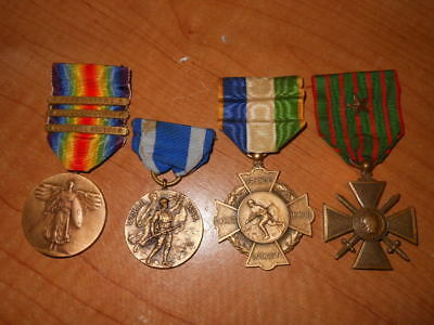 Ww 1  Group Of Medals. Nypd Cross Of Honor, Vict 3 Bars Nys Serv. And A Croix De