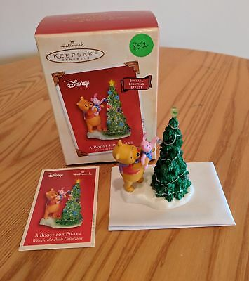 Hallmark 2003 Winnie the Pooh A Boost For Piglet Special Lighting Effect