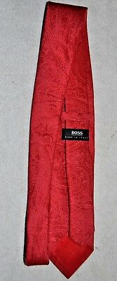 Hugo Boss Mens Tie Necktie Made in Italy Red Paisley 100% Silk