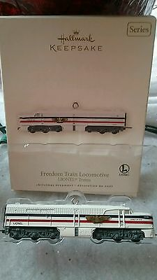 2007 HALLMARK FREEDOM TRAIN LOCOMOTIVE LIONEL 12th SERIES ORNAMENT NIB