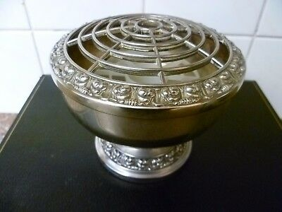 A VINTAGE, LARGE,SILVER PLATED ROSE BOWL,   SILVER PLATED ROSE BOWL By 'IANTHE'