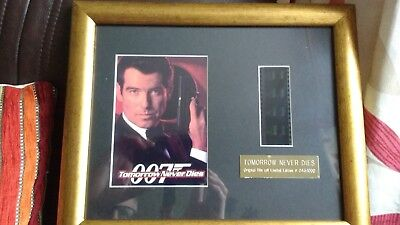 007 JAMES BOND 35mm FILM CELL PICTURE.