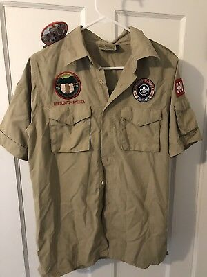 BOY SCOUT SHIRT MEN'S Small BADGES AND PATCHES