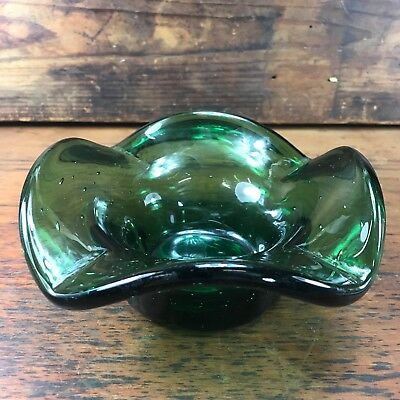 Fantastic Vintage Green Hand Blown Art Glass Ashtray With Controlled Bubbles