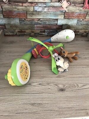 Chicco 07156 Baby-Karussell Bambi mit Projektor an der Wand