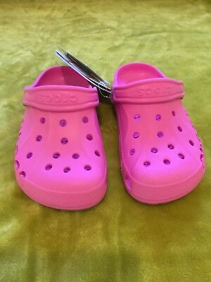 163007cb3d26 GIRLS CROCS SIZE 1-3 NEW with tag bright pink - £10.00
