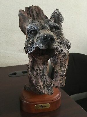 1995 Avery Creations Marka Gallery Resin Wolf Statue Wood Base 10 1 2 Tall