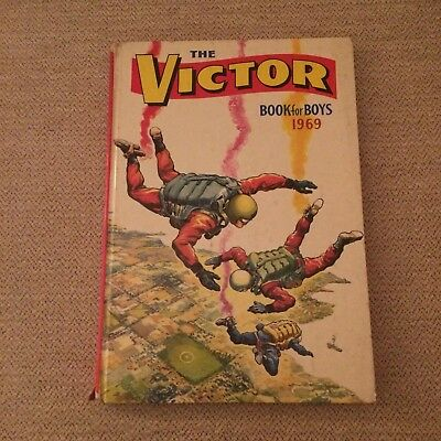 Vintage Victor Book for Boys 1969 Annual