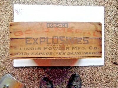 Vintage Gold Medal High Explosives Illinois Powder Mfg Co. Wooden Box Crate