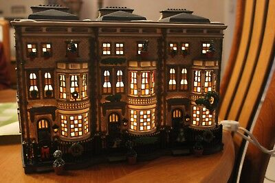 DEPARTMENT 56 Dickens Village Christmas Mulberrie Court #58345 Three Light Cords
