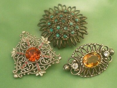 3 Vintage Stone Set Brooches.